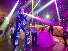 רובוט לייזר לחתונה